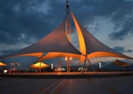 大跨度膜结构建筑的工作原理及其特点