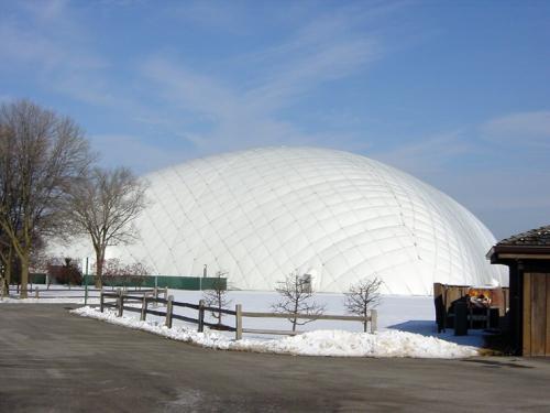 充气膜结构体育馆